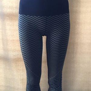 lululemon athletica Pants - Lululemon seamless cropped pants, Size 0